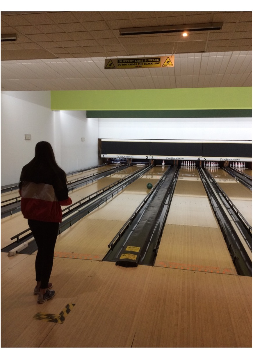 ten-pin-bowling-at-david-lloyd-in-eastbourne-article2_003